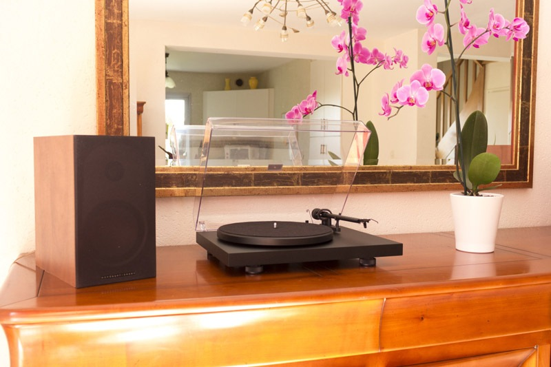Pro-Ject-Debut-III-DC