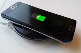 Les meilleurs chargeurs induction sans fil Qi pour Iphone et Samsung