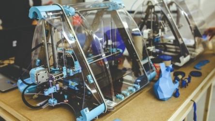 Impression 3D : que faut-il savoir sur cette technologie susceptible de bouleverser le monde de l'industrie?